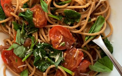 Caramelised Onion & Garlic Pasta with Spinach